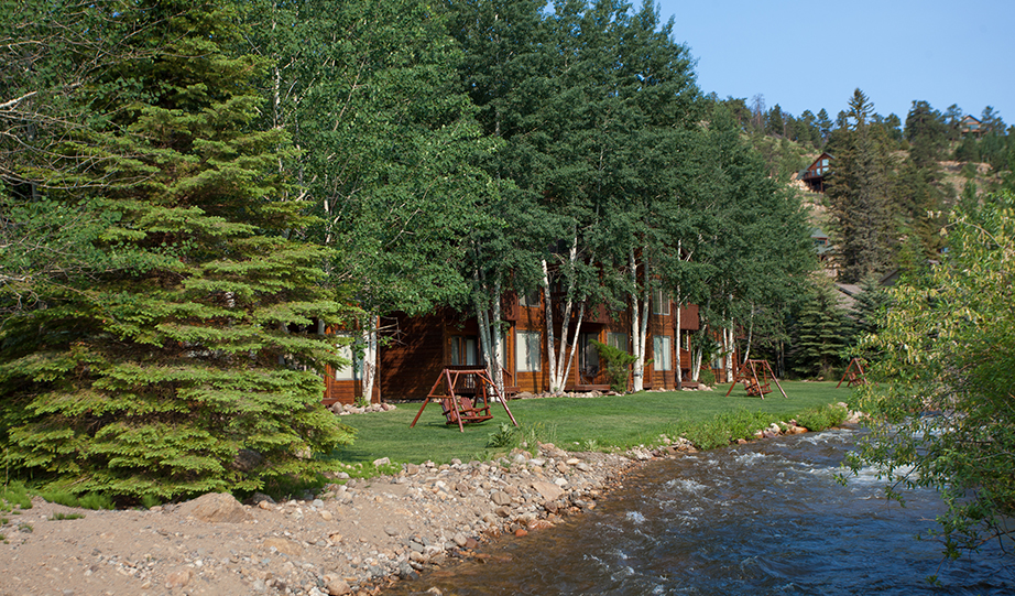 Aspen Winds on Fall River: Rocky Mountain National Park Lodging